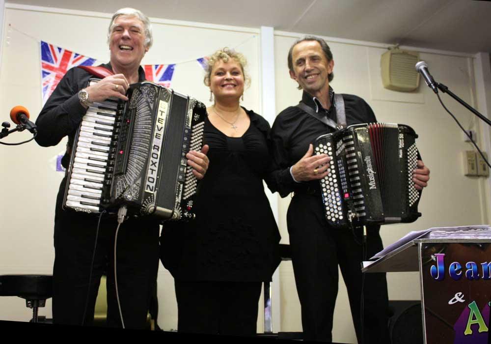 Steve Roxton, Julie and Jean Dauvin